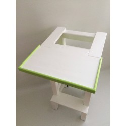 Jedálenský stolík na učiacu vežu - farba